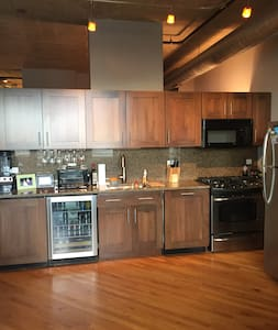 Luxurious Loft with Private Parking