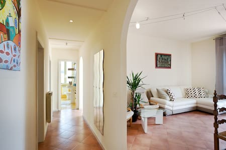 Spacious apartment, 100m from the sea - Apartment