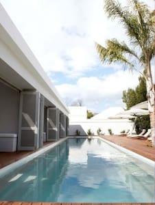 Luxury Boutique Hotel - Robertson - Bed & Breakfast