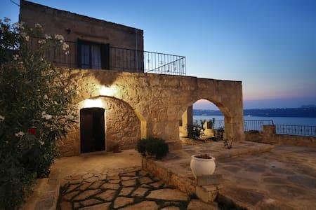 Villa Thea - Aptera - Villa