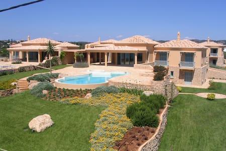 Luxurious villas in Porto Heli - Petrothalassa