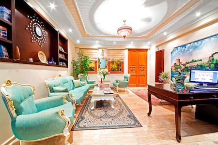 Luxury Triple Room @SULTANAHMET B&B - Fatih - Bed & Breakfast
