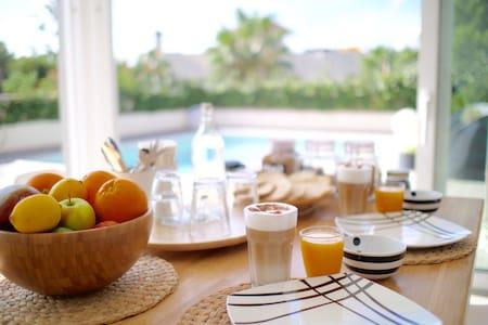 Playa de Palma luxury B&B with pool - Casa