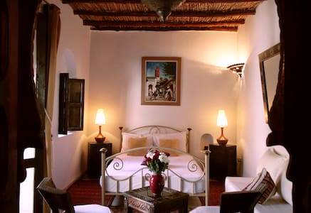 Chambre Baddi dans riad de charme - Marrakesh - Bed & Breakfast