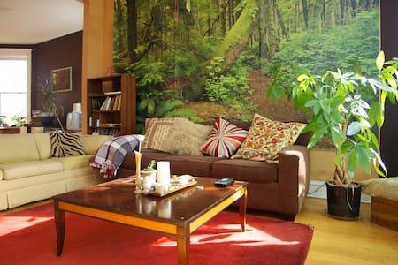 Palmer Treehouse - Bedroom 2
