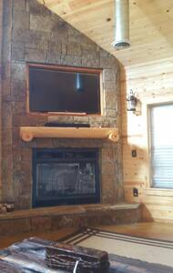 Game Day Cabin! - Chalet