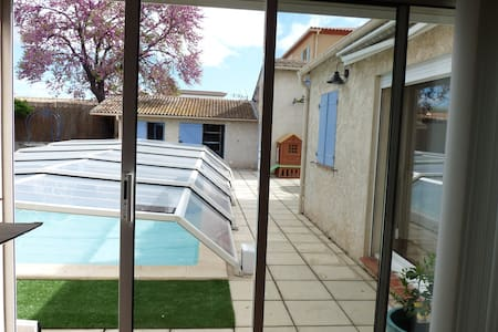 Big and bright studio of 60 m ²  - Marignane