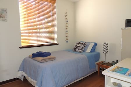 Cosy unit close to Mt Lawley cafes
