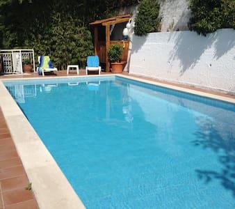 Villa Nunzia, pool, sea view,Rom/Na - Hus