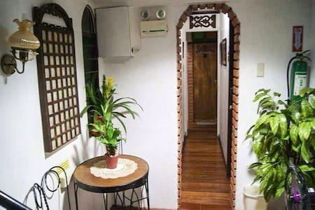 Apartelle Villa Luis Room Filomina