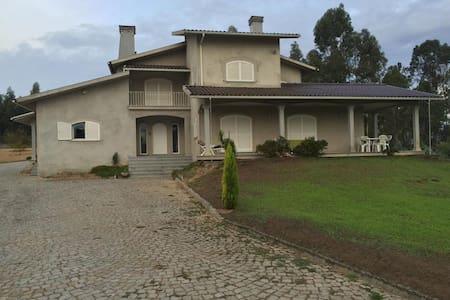 Villa Tondela - House
