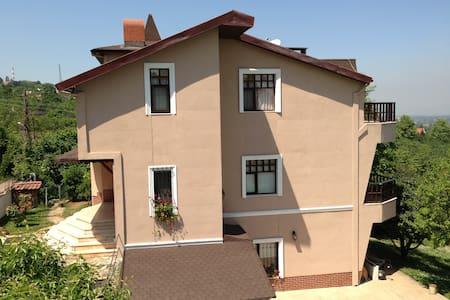 MAŞUKİYEDE 3 KATLI VİLLA - İZMİT/KARTEPE/MAŞUKİYE - Casa de camp