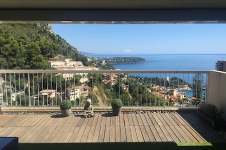 Large apartment Monaco and sea view