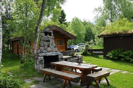 FJORDS (FJORDS Cabins) - Isfjorden - Blockhütte
