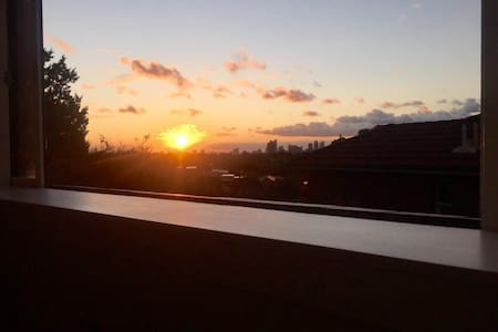 Bondi Apartment w/ City Views