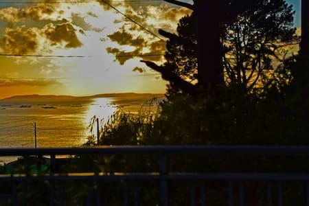 Piso con terraza con vistas al mar - Bueu