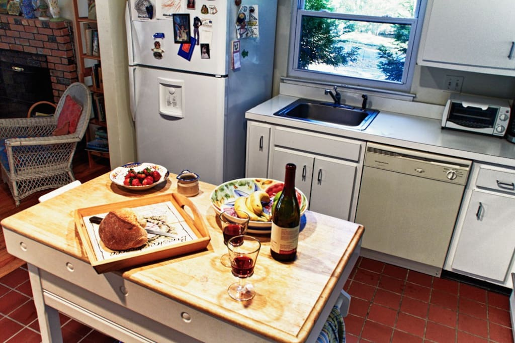 Center island in the kitchen for hosting guests and family
