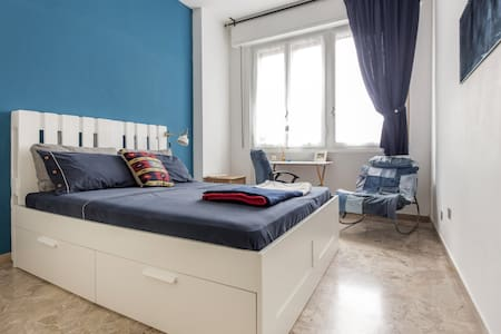 Bright Double Room Rifredi Station - Appartement