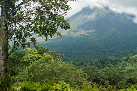 Deluxe Private, A/C, Terrace & Volcano View. - Arenal Volcano