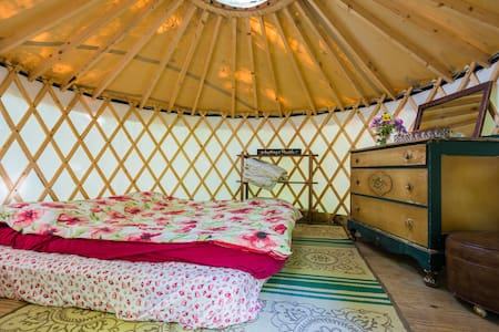 Lakeside Off-Grid Rustic Yurt