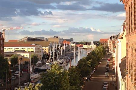 Ferienwohnungen und privatunterk nfte in christianshavn for Kopenhagen unterkunft