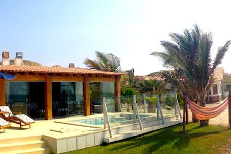 Beach House Punta Sal, Casa d playa