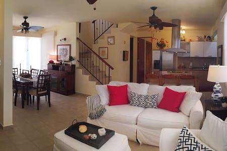 Cozy Villa near beach w/GolfCart - Vila