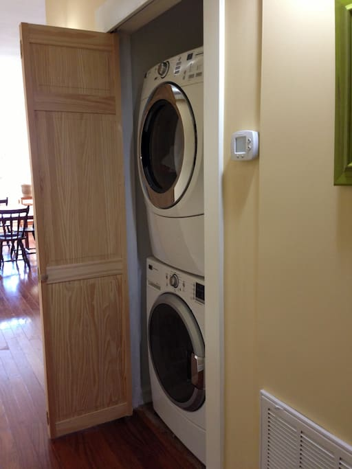 In unit stacked washer and dryer. Brand new and work great. Super convenient.