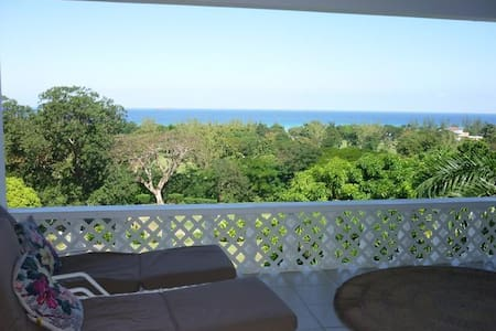 Views of the Caribbean  - Stunning! - Runaway Bay