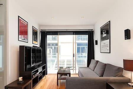 Clean 1 Bedroom Apartment!