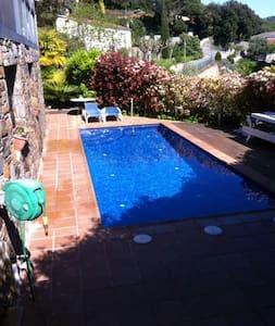 SDtudio in garden with swimmingpool - Wohnung