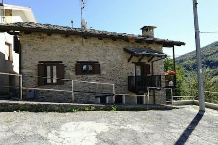 Gran Paradiso - House