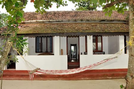 ANGEO Beach House - Bed & Breakfast