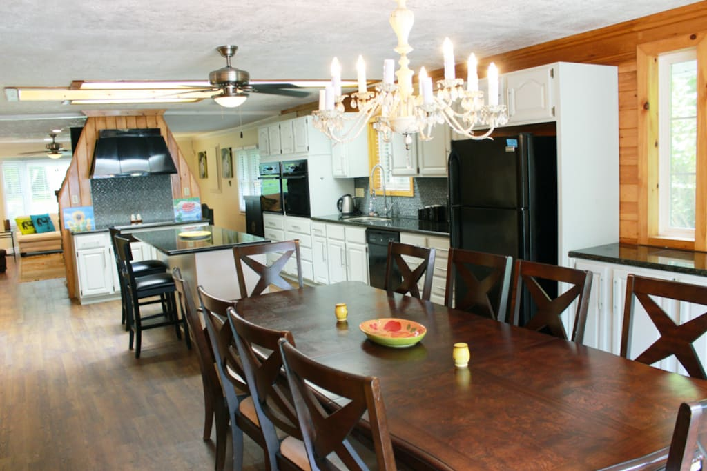 Large eat-in kitchen with breakfast bar