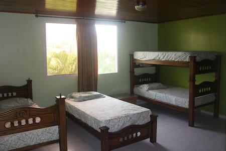 Shared Room (5a) in Oceanfront Home - Santa Veronica - Villa