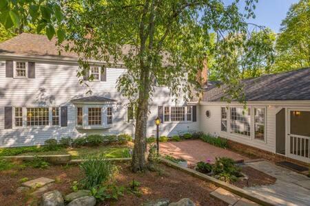 Pettit House 5/6 Bdrm Upscale Home - Ház