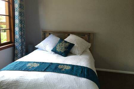 Luxury Double Bedroom in Collaroy - House