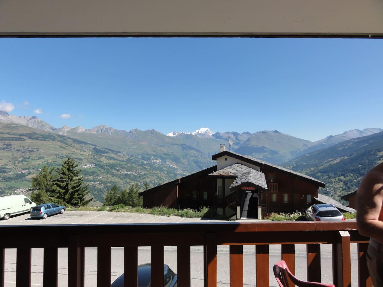 Vue du balcon. En face, le Montblanc- View from Balcon, in front of us, the Mont Blanc ( 4810 M)