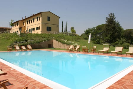 Large house & pool close Florence - Montopoli in Val D'arno - Villa
