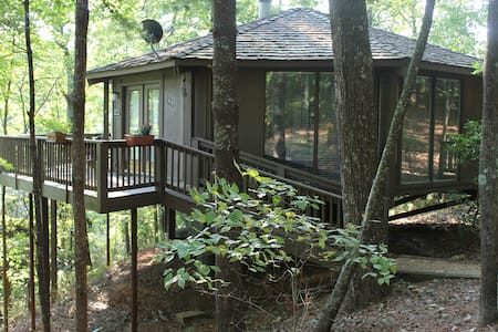 Mountain Paradise, Tree Top Cabin - Jasper
