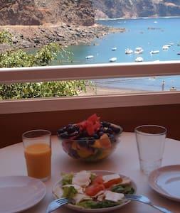 Beachfront apartment.La Gomera. - Valle Gran Rey - Apartment