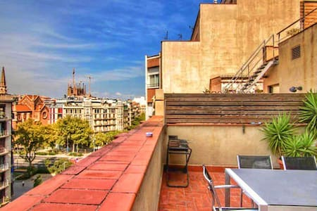 Center flat with big sunny terrace