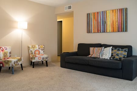 Private room Close to IAH Airport.