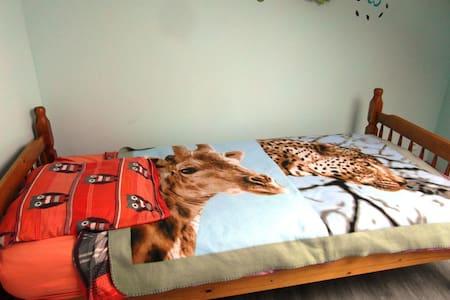 chambre 1 personne a la campagne - Bed & Breakfast