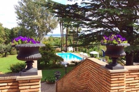 Villa Demetra, Lake Bracciano - Lake Bracciano - Villa