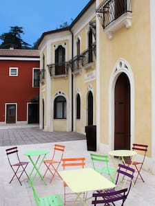 """ALLE ACQUE"" DEPENDANCE - Lonigo - Bed & Breakfast"