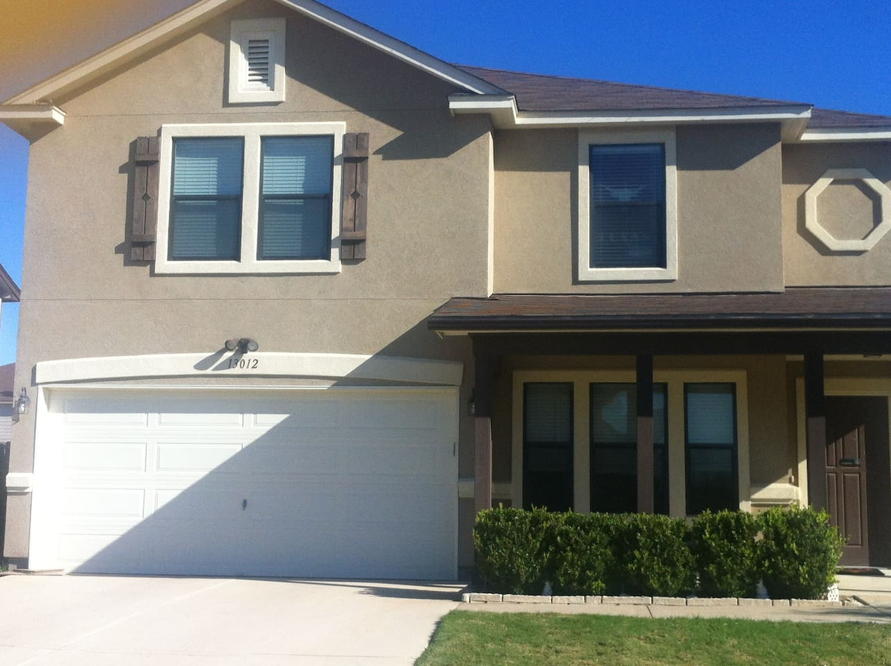 Prime location to F-1 COA and close to Downtown-4 Bedroom, Large Gameroom, Office, 3.5 Bathrooms