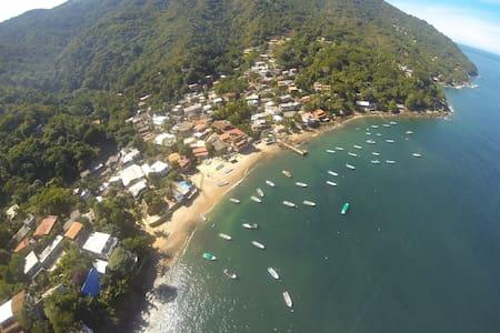 CASA ELECTRA Oceanfront Yelapa Home - Huis