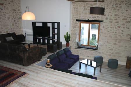 MAISON JO-LI - Rumah
