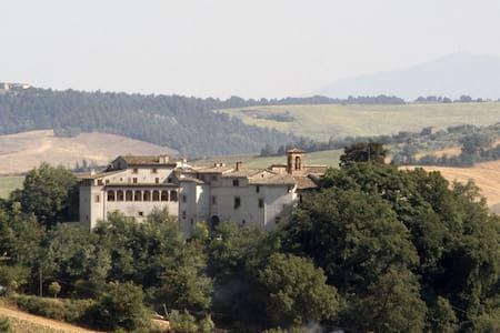 Il Castello di Rosceto | La Dimora
